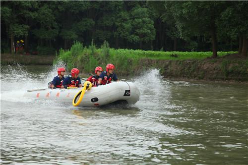 上海消防救援总队:前置集结 全面做好抗洪抢险跨区域增援各项准备