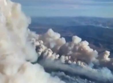 美国:科罗拉多州山火持续 发布强制疏散令