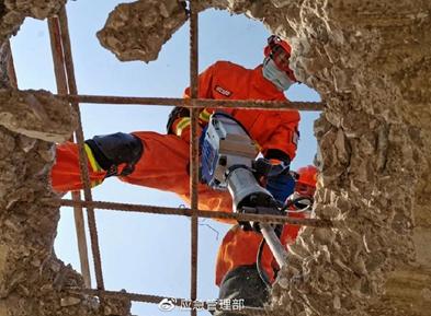 云南森林消防队伍开展地震救援实战演练