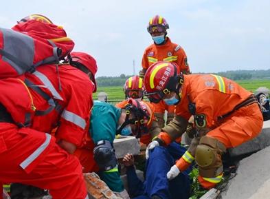 黑龙江省哈尔滨市消防救援支队开展重大灾害事故应急救护实战演练